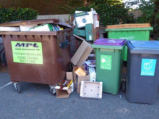 Worth, UK: Overflowing bins