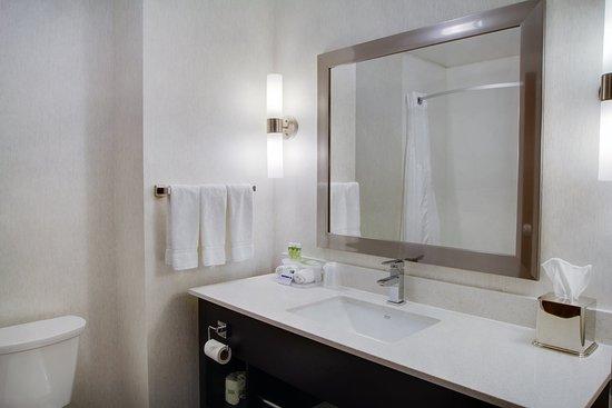 Sidney, OH: Guest Bathroom