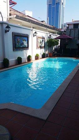 Yeng Keng Hotel: Swimming pool at backyard area