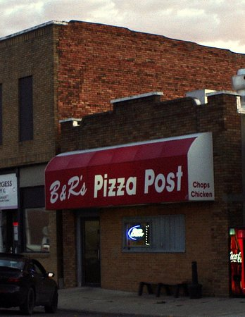 Sloan, IA: B & R Pizza Post