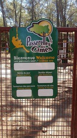 Lagnes, França: Accrobranche