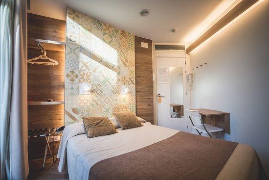 Hostal Mare Nostrum - Updated 2017 Prices  U0026 Inn Reviews  Barcelona  Catalonia