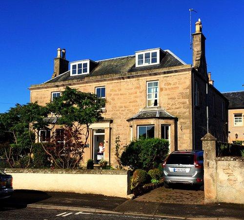 Cawdor House: photo1.jpg