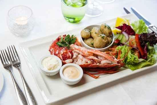 St. Peter, UK: Restaurant - Local Lobster