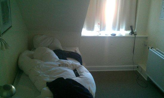 Hotel Domir: Идеальное расположение