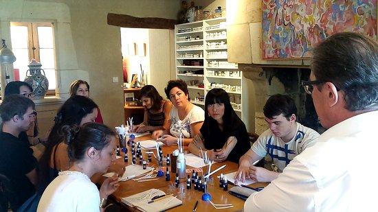 Candes-Saint-Martin, Francia: Initiation au métier de Parfumeur