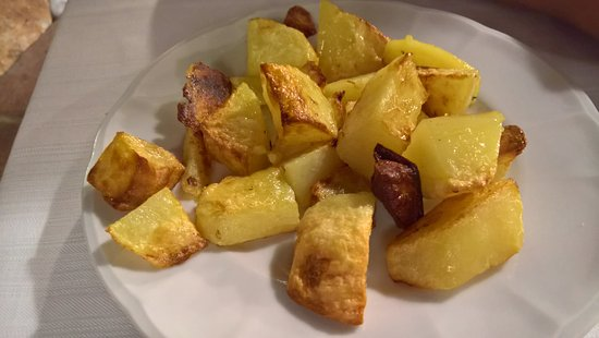Cori, Italien: patate al forno
