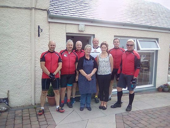 Sorn, UK: FUN-KI-RIDERS charity cycle event stop of at the Riverbank Kitchen