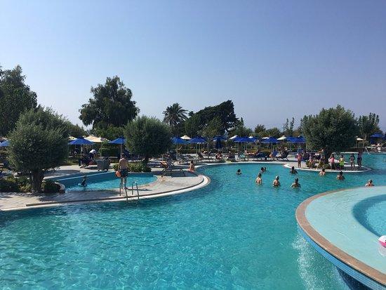 Atrium Platinum Hotel: Idyllic pool