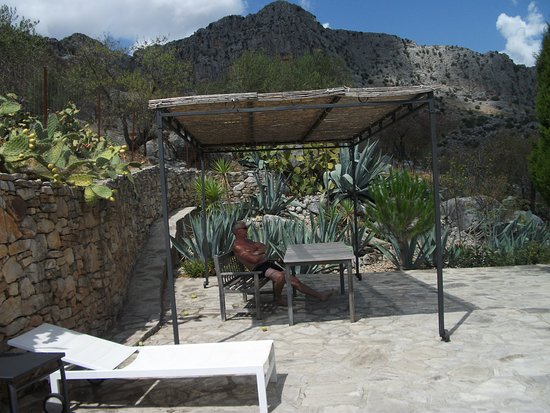 Montejaque, España: your own terrace area in a huge garden
