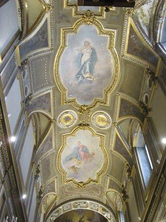 Mercogliano, İtalya: Affreschi della volta della Cappella della Vergine