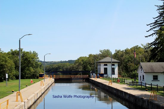 Herkimer, NY: Coming into Lock 18 on the Eric Canal Tour.