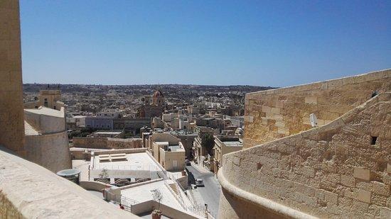 Vitória, Malta: vue sur la ville, du haut de la citadelle