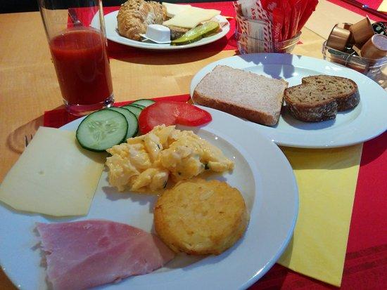 Kloten, Suiza: 朝食もおいしかったです。