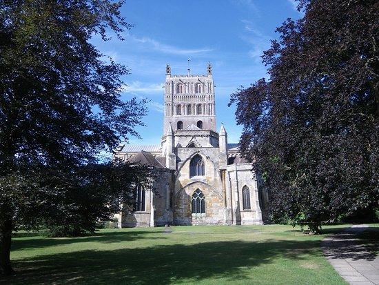 Tewkesbury Abbey: Ouside view
