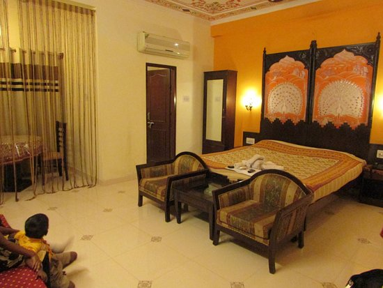 Sunder Palace Guest House: Room No 307 (Super Deluxe Room)