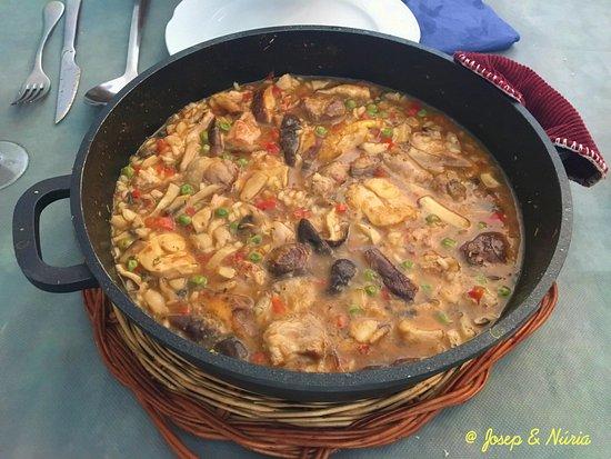 Sant Esteve de Palautordera, İspanya: Arroz caldoso de montaña con carne y setas. Buenísimo !!!!