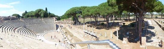 Ostia Antica, Italien: Amphitheatre area