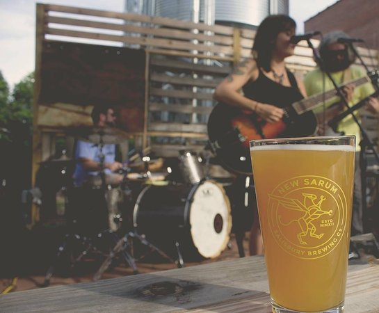 Salisbury, NC: Paper Wasps music with icey cold beer