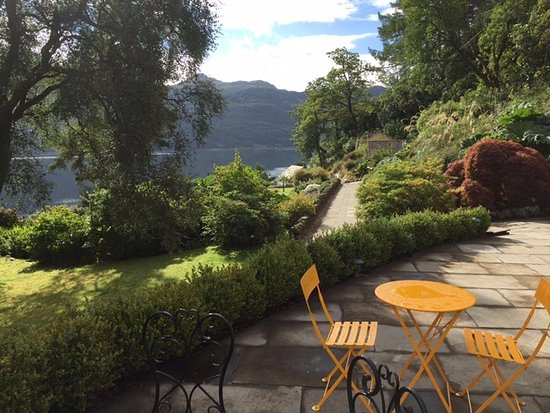 Loch Goil, UK: Terrace just outside the conservatory