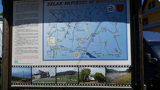 Nowy Targ, Pologne : Piękne szlaki turystyczne. cztery 20-dziesto metrowe wieże widokowe pozwalają jeszcze lepiej pod