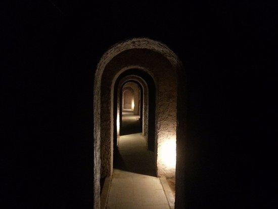 Camerano, Italy: uno dei corridoi sotterranei