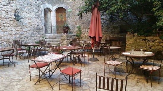 Moules-et-Baucels, Fransa: 20160825_194039_large.jpg
