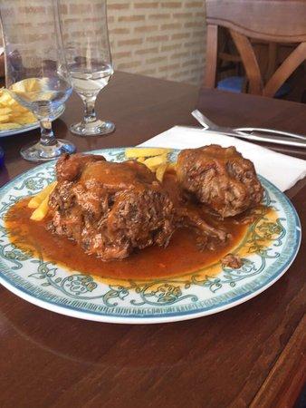 Montilla, إسبانيا: Buen restaurante, trato exquisito y comida espectacular. Felicidades a cocina y servicio