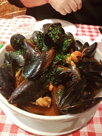 South Perth, Australia: chilli mussels