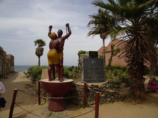 La Maison des Esclaves : The monument
