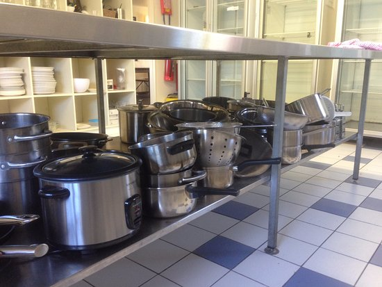 Surfpoint Resort : Some of the range of cooking facilities on offer for those who want to self cater.