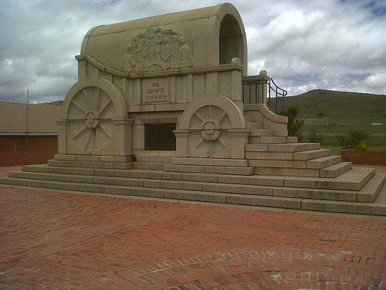 Dundee, Sydafrika: Granite wagon at the mainbuilding