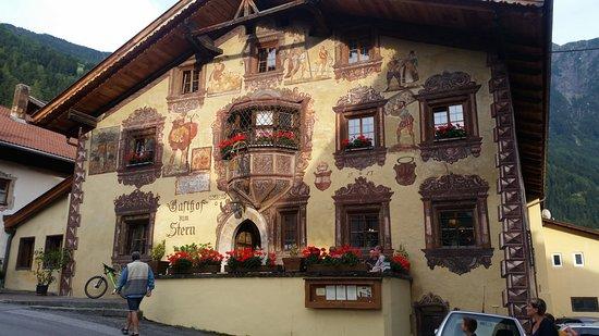 Oetz, Autriche : Buitenkant Gasthof