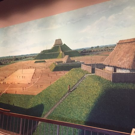 Collinsville, IL: Cahokia Mounds - museum display of Native American city