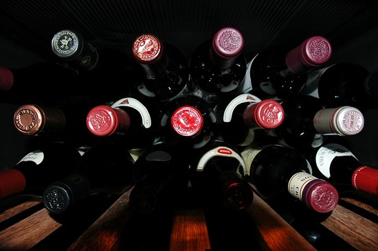 Wine cellar key west : buvez du vin ! - Picture of ViV Wine & Cheese ...