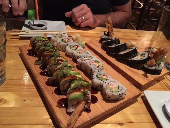 Grosse Pointe, Мичиган: Sushi Rolls, Tasty but Pricey
