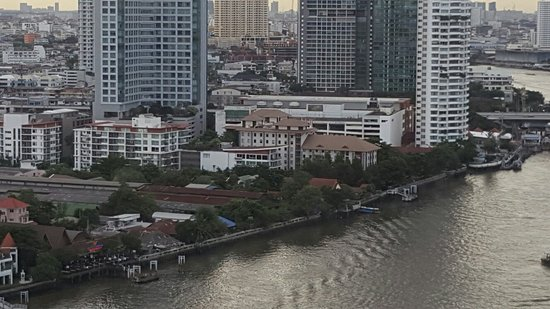 Very nice room, spectacular river view and city view, all staff friendly, I will defenetly come