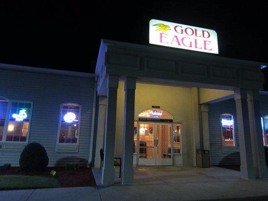 Dayville, CT: Gold Eagle Restaurant.