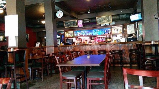 Hollister, MO : Full Bar