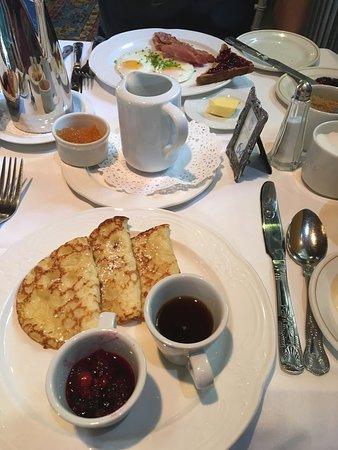 Ballyseede Castle: Breakfast