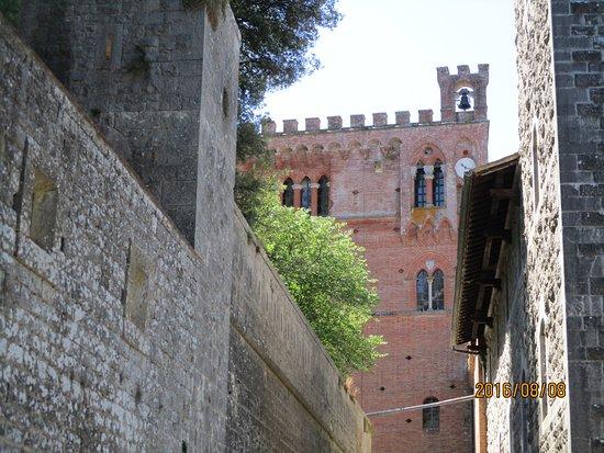 Gaiole in Chianti, Italia: lane at Castello Brolio