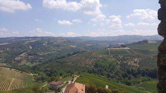 Serralunga d'Alba, Italien: Vista dalla Torre