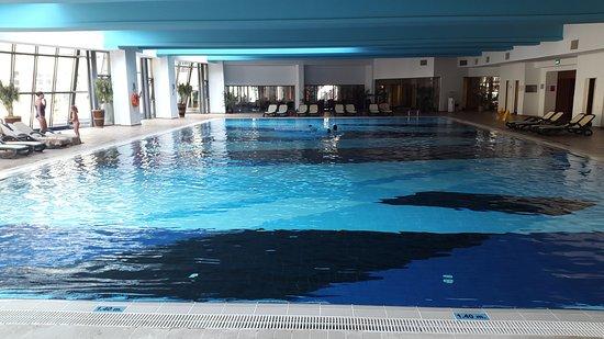 Binnenzwembad nicolewaasdorp for Kostprijs zwembad plaatsen