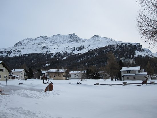 Sils im Engadin, Szwajcaria: a view from outside the Randolina