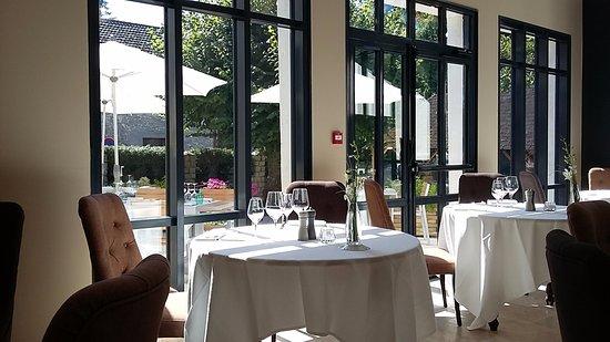Salle Du Restaurant クレンフォンテーヌ アン イヴェリーヌ