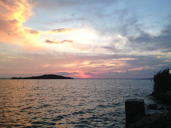 Magione, Italia: Il lago Trasimeno!