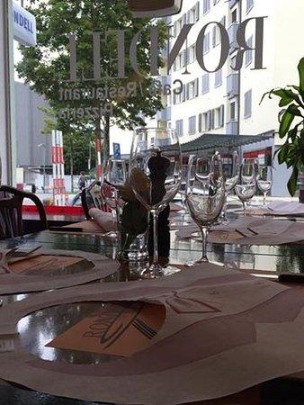 Liebefeld, Ελβετία: Table1