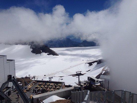 Les Diablerets, سويسرا: Glacier 3000