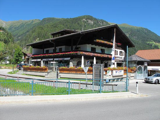 St. Jakob in Defereggen, Austria: Sportgeschäft Troger