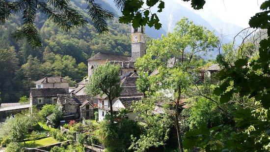 Vogorno, สวิตเซอร์แลนด์: 20160826_151023_large.jpg